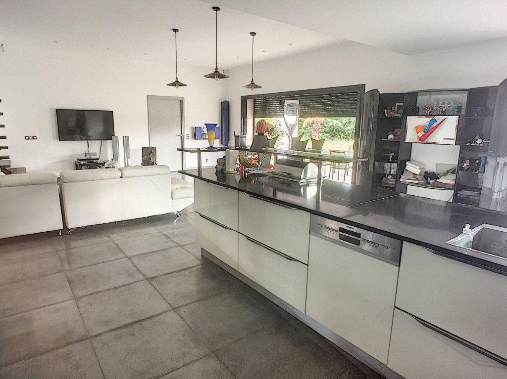 Maison à vendre 5 220m2 à Tourrettes-sur-Loup vignette-4