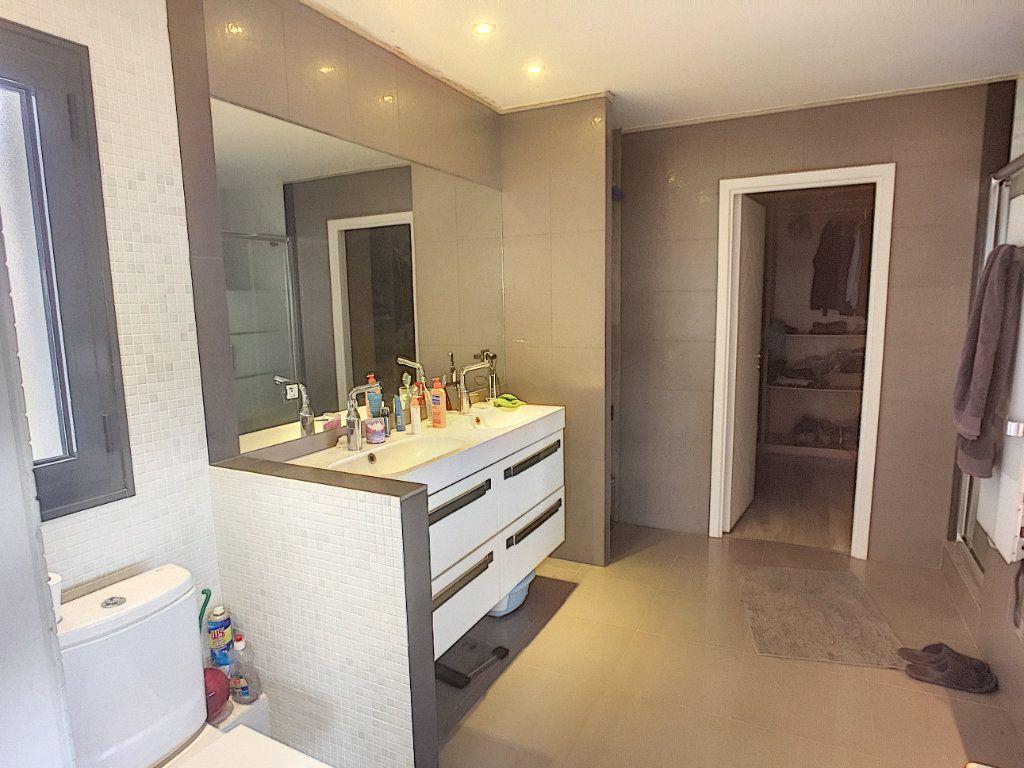 Maison à vendre 5 220m2 à Tourrettes-sur-Loup vignette-9