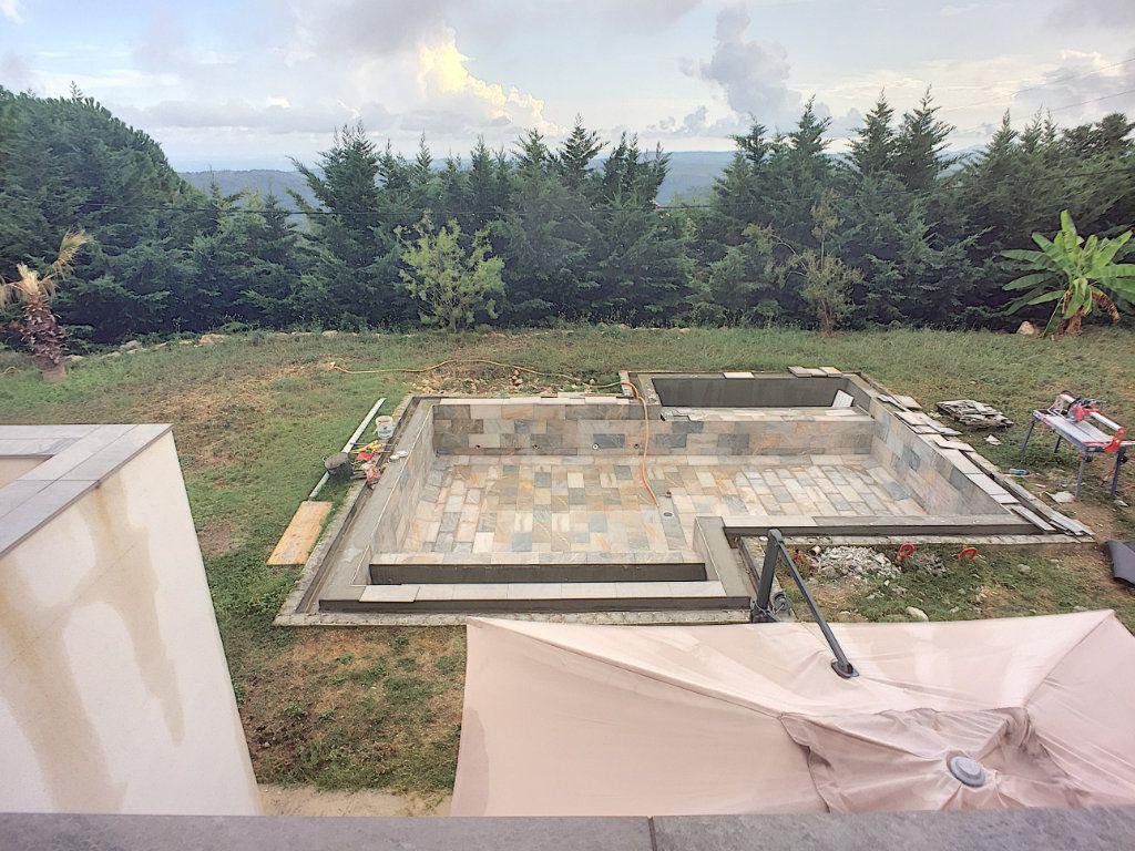 Maison à vendre 5 220m2 à Tourrettes-sur-Loup vignette-10