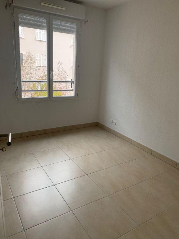Appartement à louer 3 60.7m2 à Cagnes-sur-Mer vignette-6
