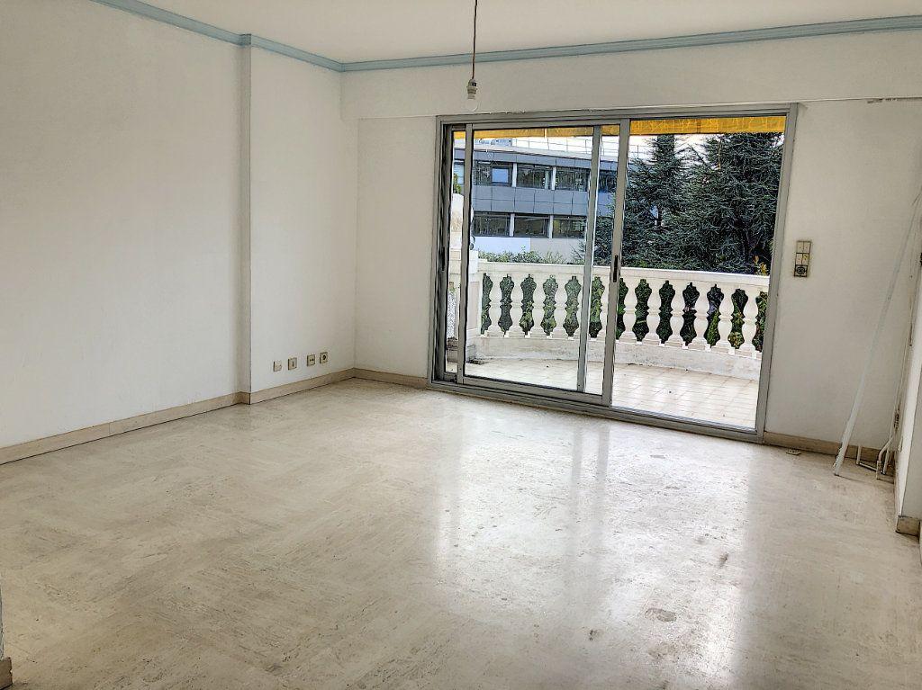 Appartement à louer 1 33.99m2 à Cagnes-sur-Mer vignette-3