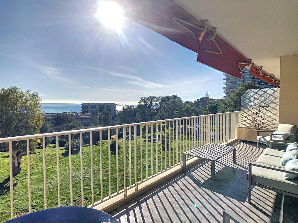 Appartement à louer 2 63.68m2 à Cagnes-sur-Mer vignette-1