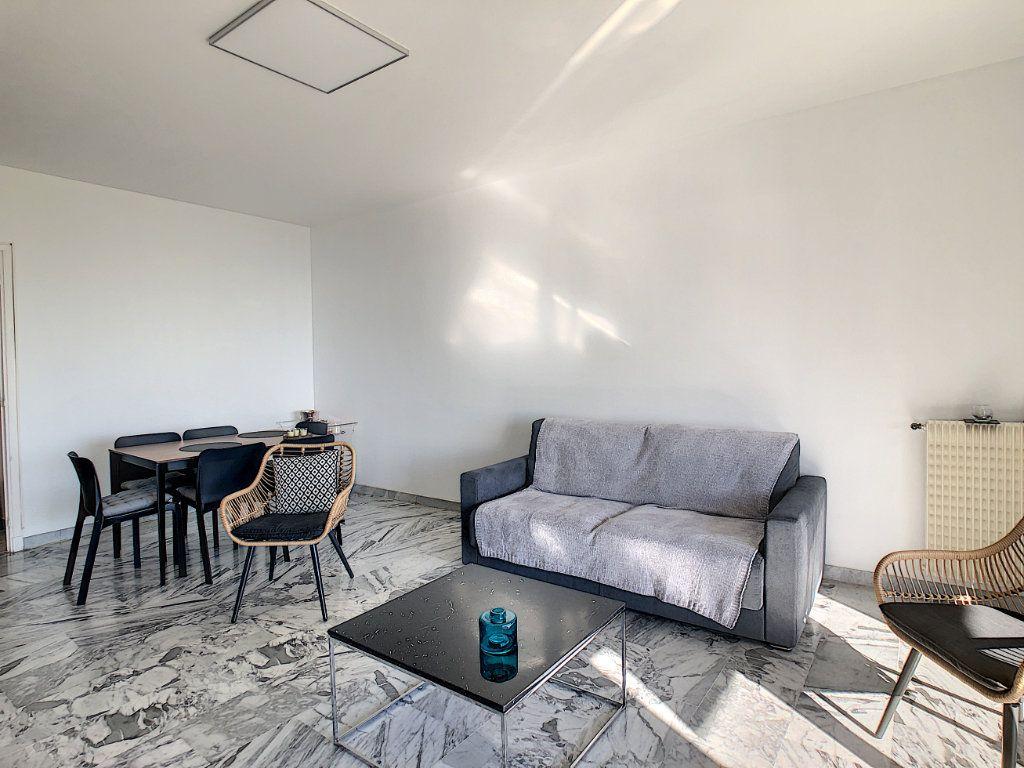 Appartement à louer 2 63.68m2 à Cagnes-sur-Mer vignette-4