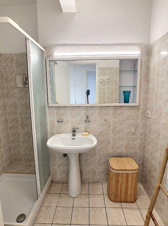 Appartement à louer 2 63.68m2 à Cagnes-sur-Mer vignette-6