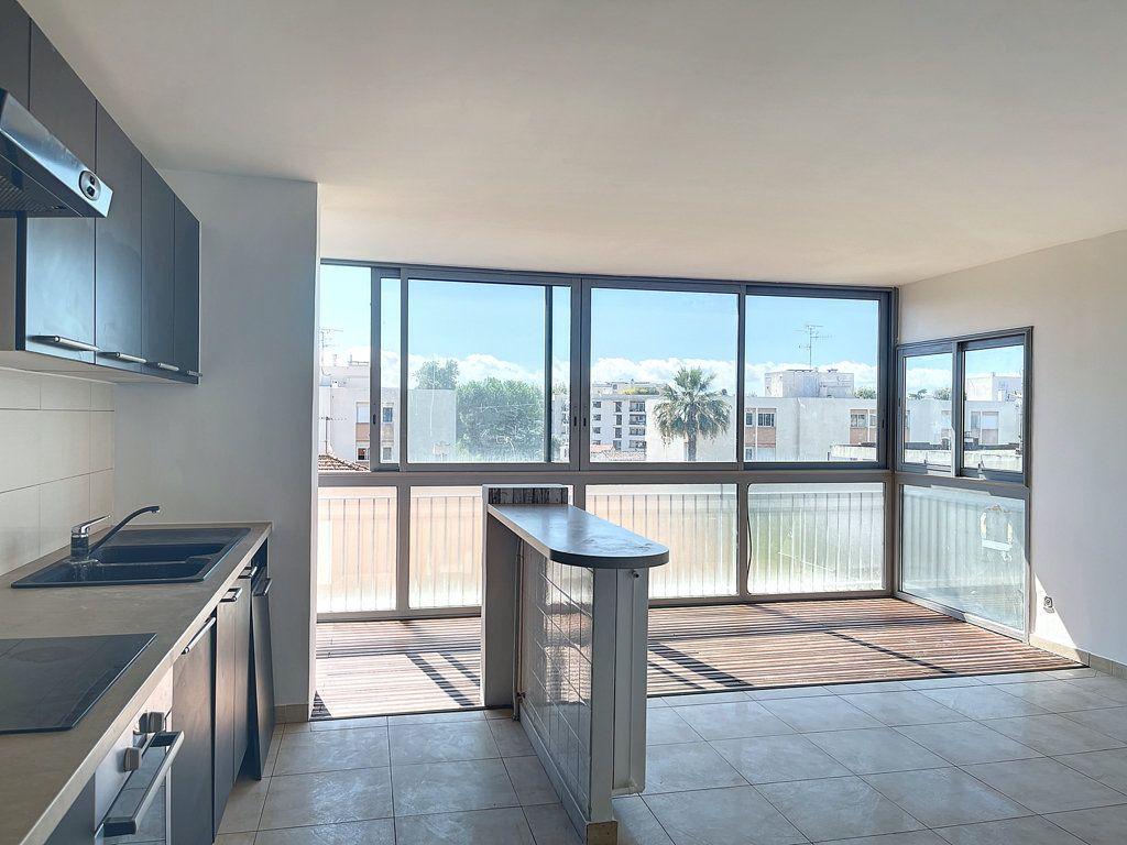 Appartement à vendre 3 66m2 à Cagnes-sur-Mer vignette-1