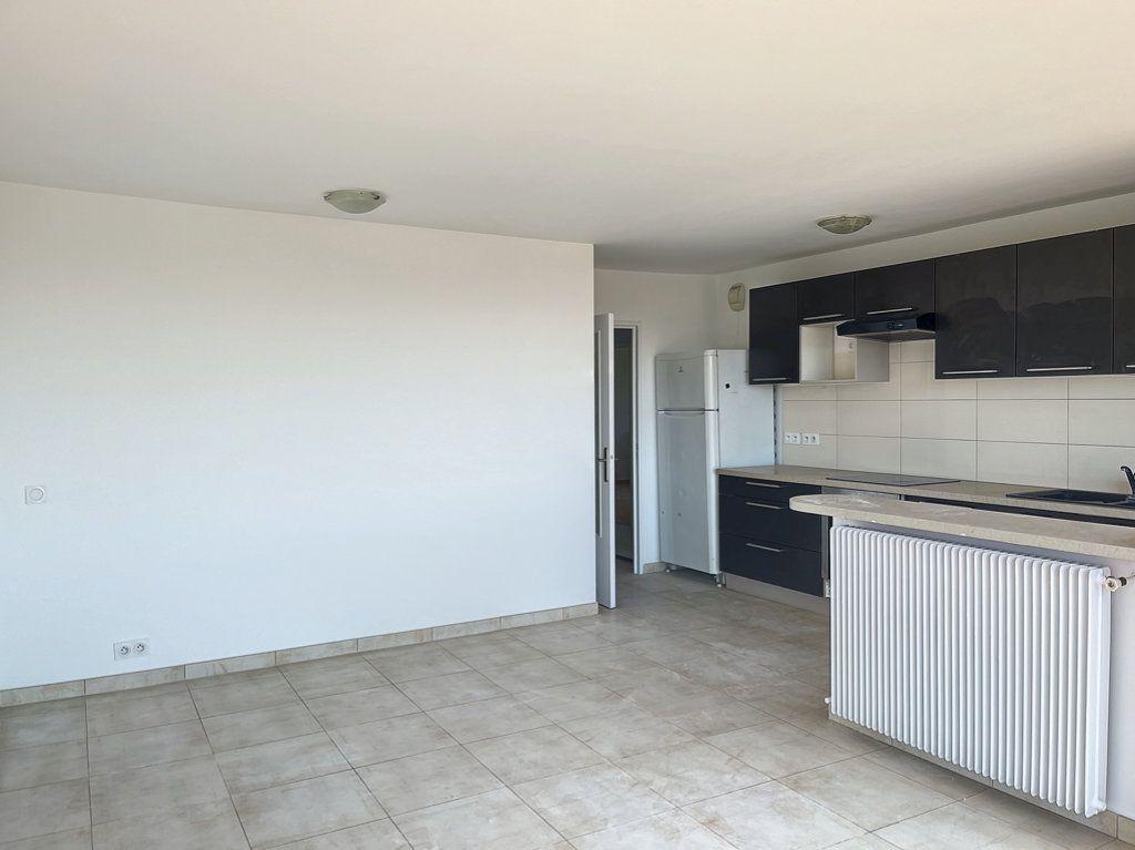 Appartement à vendre 3 66m2 à Cagnes-sur-Mer vignette-2