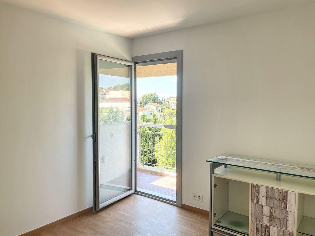 Appartement à vendre 3 66m2 à Cagnes-sur-Mer vignette-3