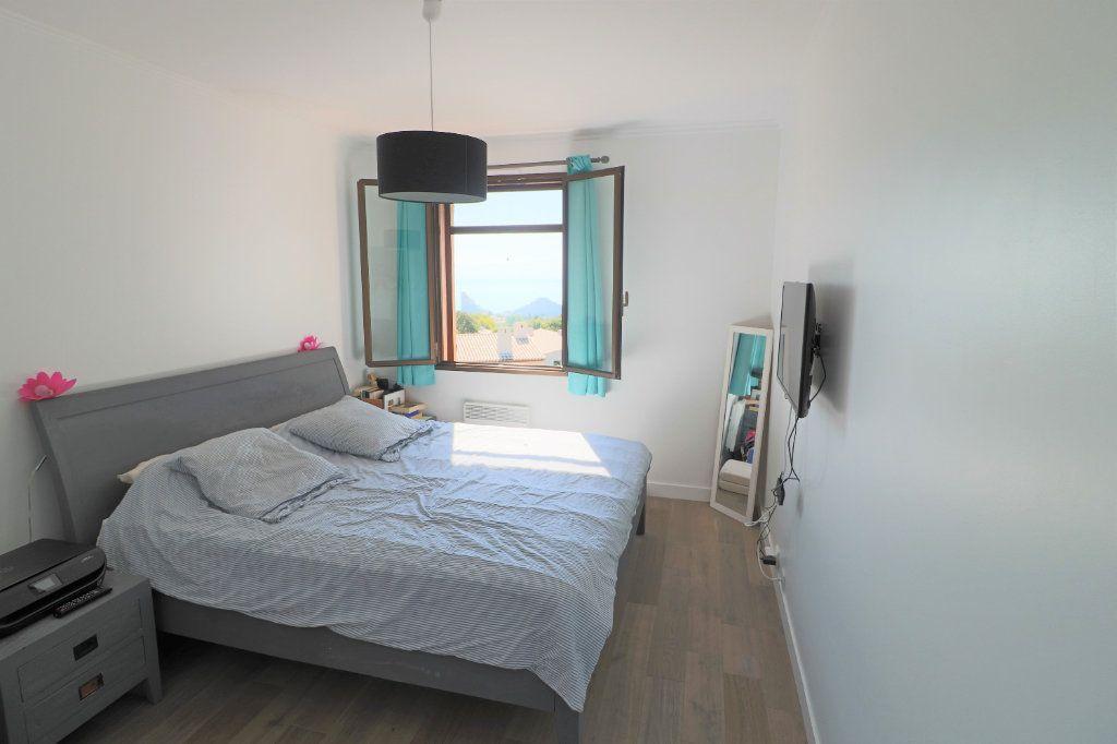 Appartement à louer 4 101.26m2 à Villeneuve-Loubet vignette-5