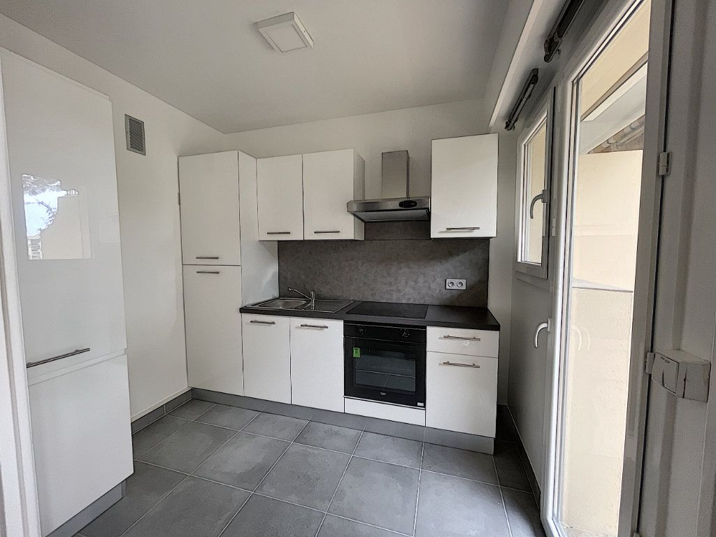 Appartement à louer 1 27.61m2 à Mandelieu-la-Napoule vignette-3