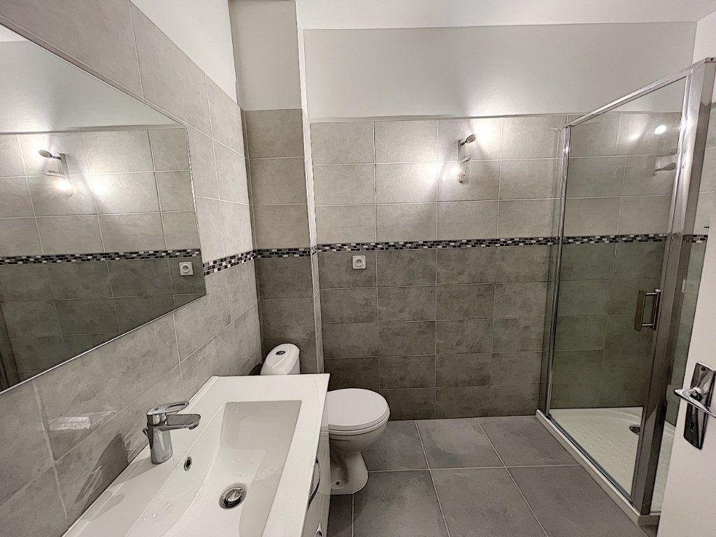 Appartement à louer 1 27.61m2 à Mandelieu-la-Napoule vignette-4
