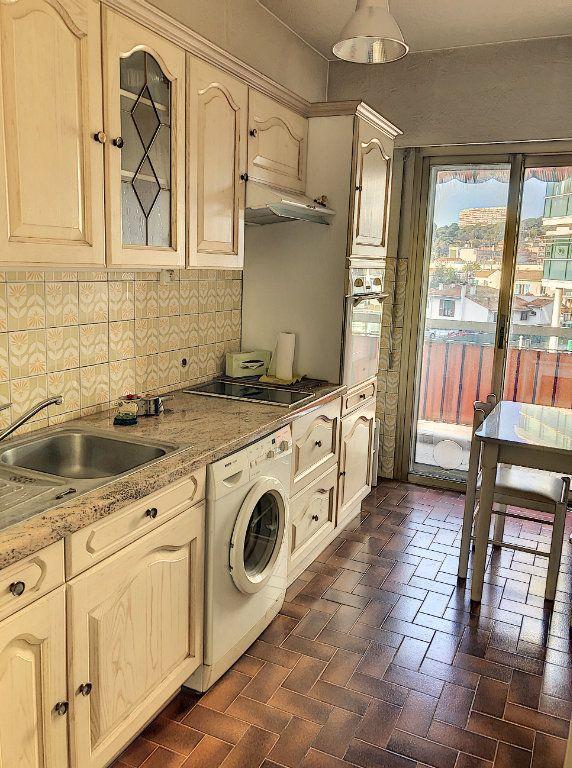 Appartement à louer 1 29.46m2 à Cagnes-sur-Mer vignette-3