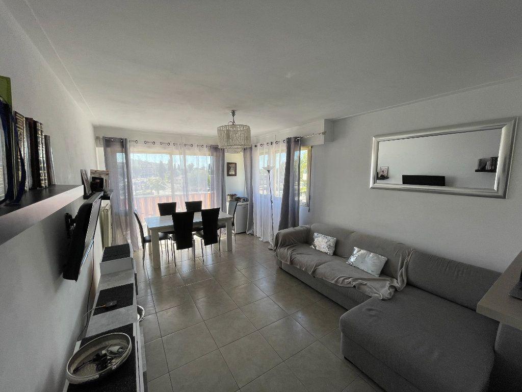 Appartement à vendre 3 71m2 à Cagnes-sur-Mer vignette-1