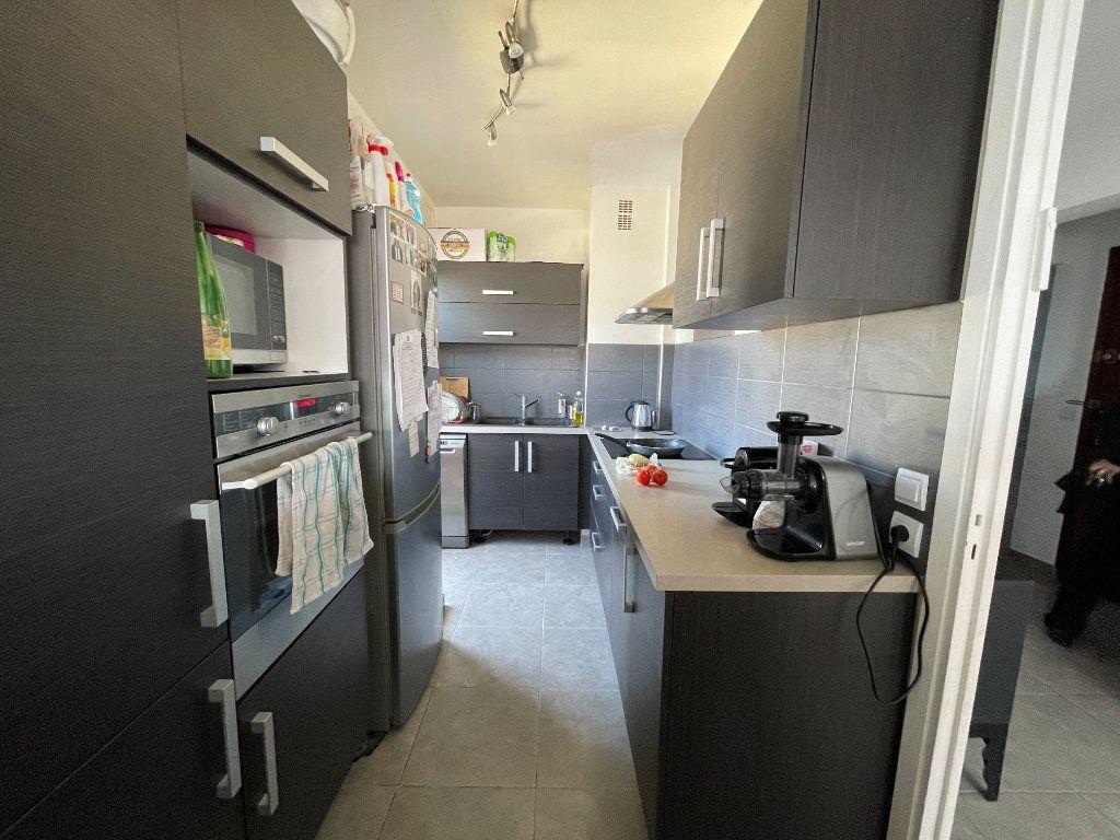 Appartement à vendre 3 71m2 à Cagnes-sur-Mer vignette-3
