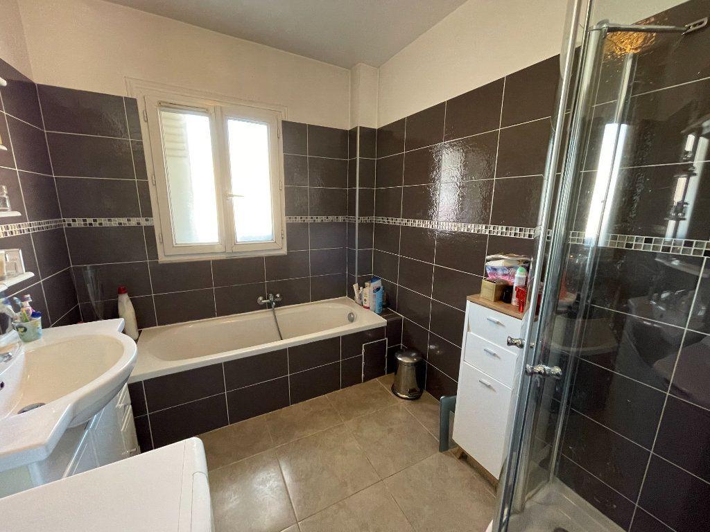 Appartement à vendre 3 71m2 à Cagnes-sur-Mer vignette-4
