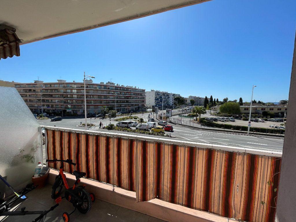 Appartement à vendre 3 71m2 à Cagnes-sur-Mer vignette-5