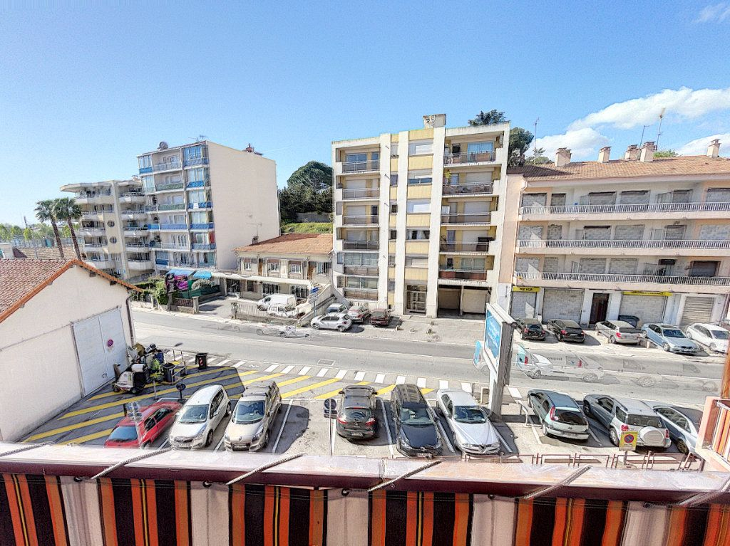 Appartement à vendre 3 63.16m2 à Cagnes-sur-Mer vignette-1