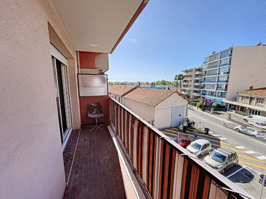 Appartement à vendre 3 63.16m2 à Cagnes-sur-Mer vignette-2