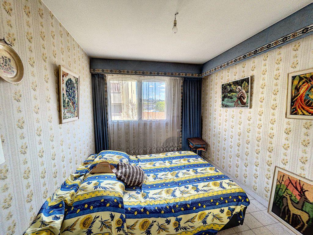 Appartement à vendre 3 63.16m2 à Cagnes-sur-Mer vignette-6