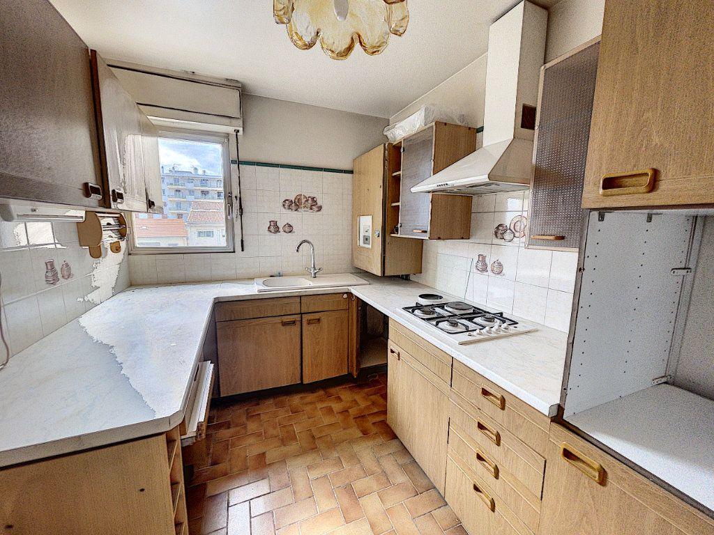 Appartement à vendre 4 97.89m2 à Cagnes-sur-Mer vignette-6
