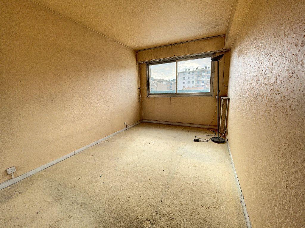 Appartement à vendre 4 97.89m2 à Cagnes-sur-Mer vignette-7