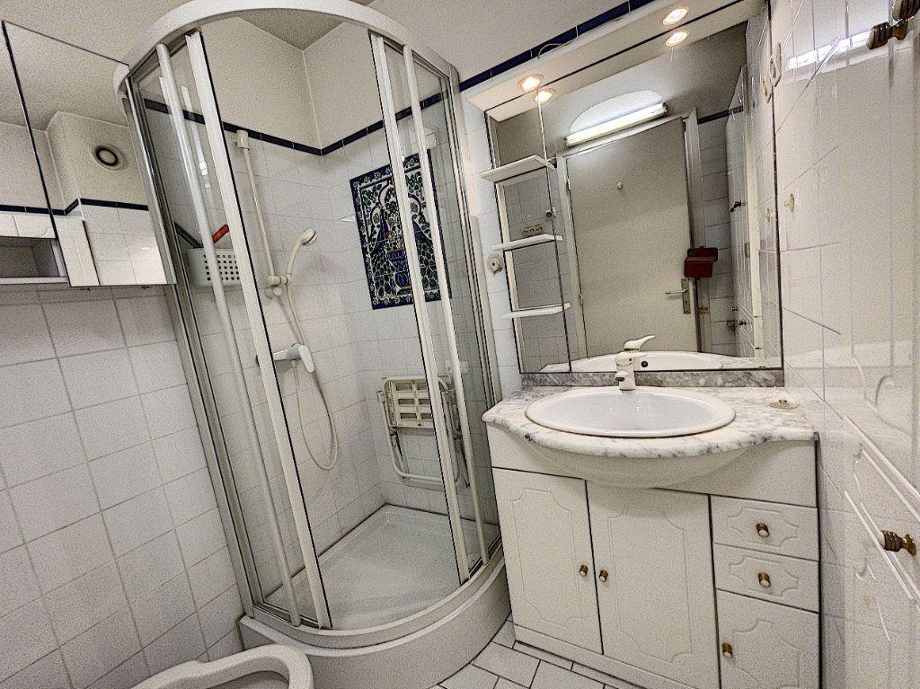 Appartement à vendre 4 97.89m2 à Cagnes-sur-Mer vignette-9