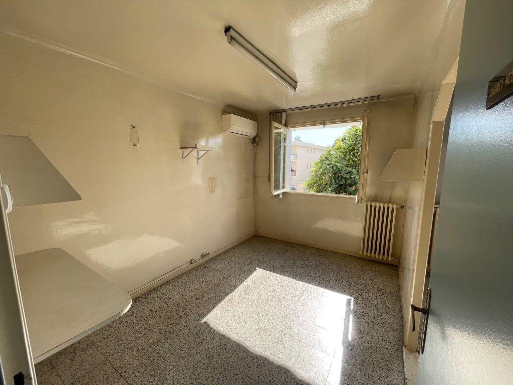 Appartement à vendre 3 54m2 à Cagnes-sur-Mer vignette-2