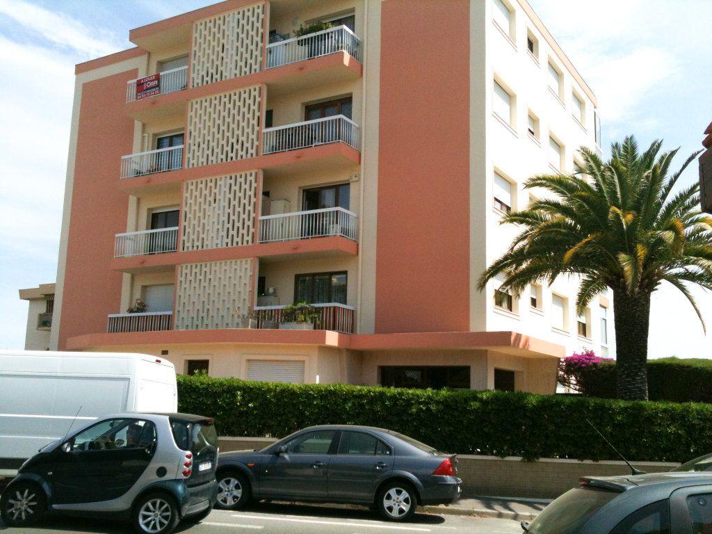 Appartement à louer 3 78.31m2 à Saint-Laurent-du-Var vignette-5