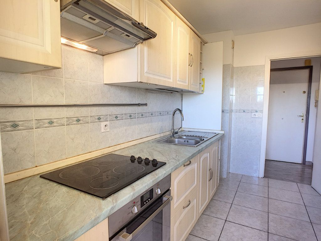 Appartement à vendre 2 52m2 à Cagnes-sur-Mer vignette-2