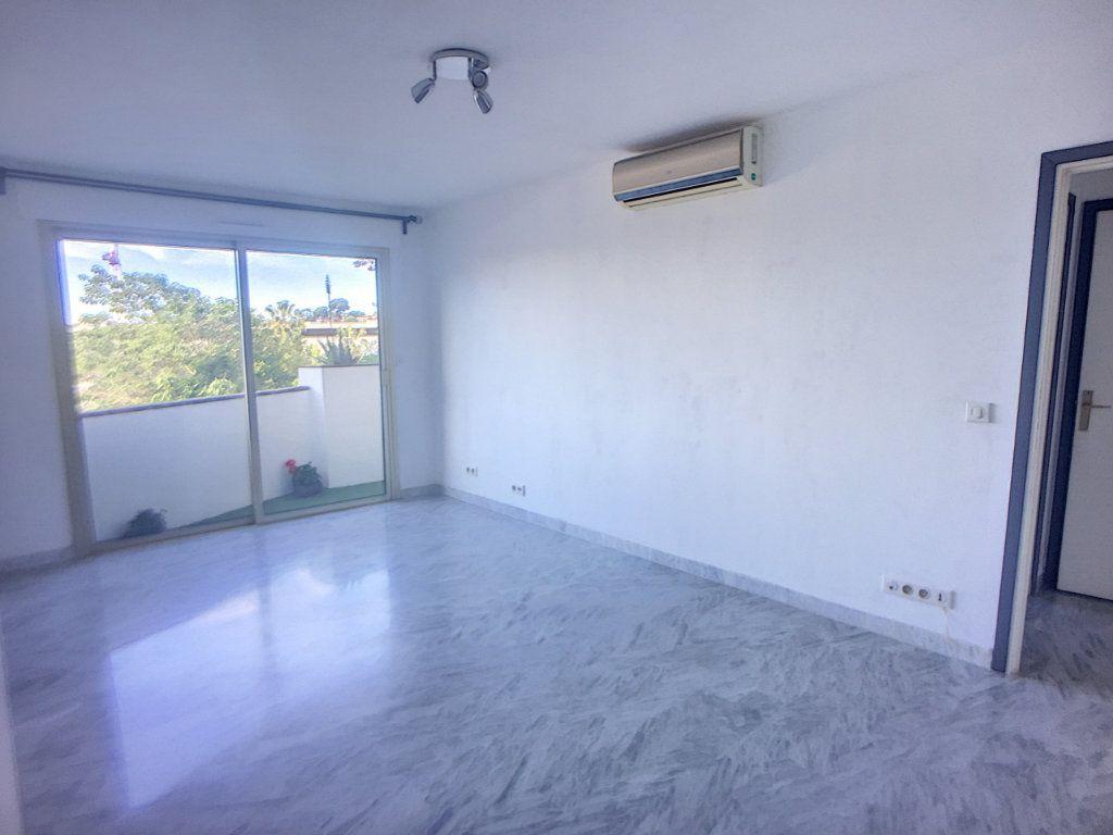 Appartement à vendre 2 52m2 à Cagnes-sur-Mer vignette-4