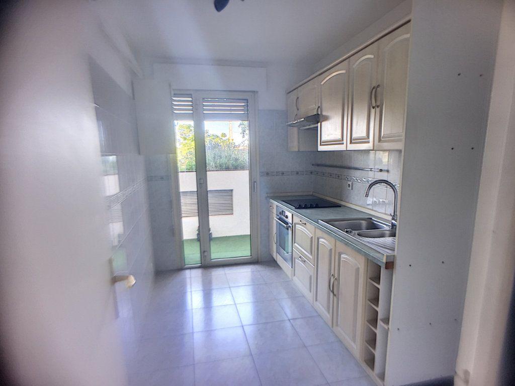 Appartement à vendre 2 52m2 à Cagnes-sur-Mer vignette-6