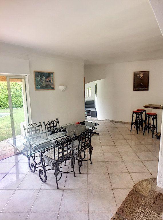 Maison à vendre 6 167m2 à Gréolières vignette-4