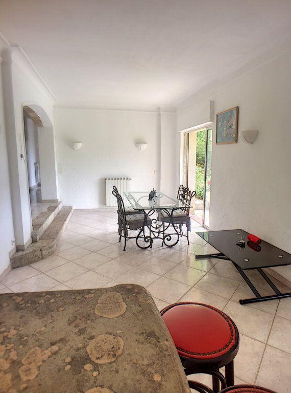 Maison à vendre 6 167m2 à Gréolières vignette-5