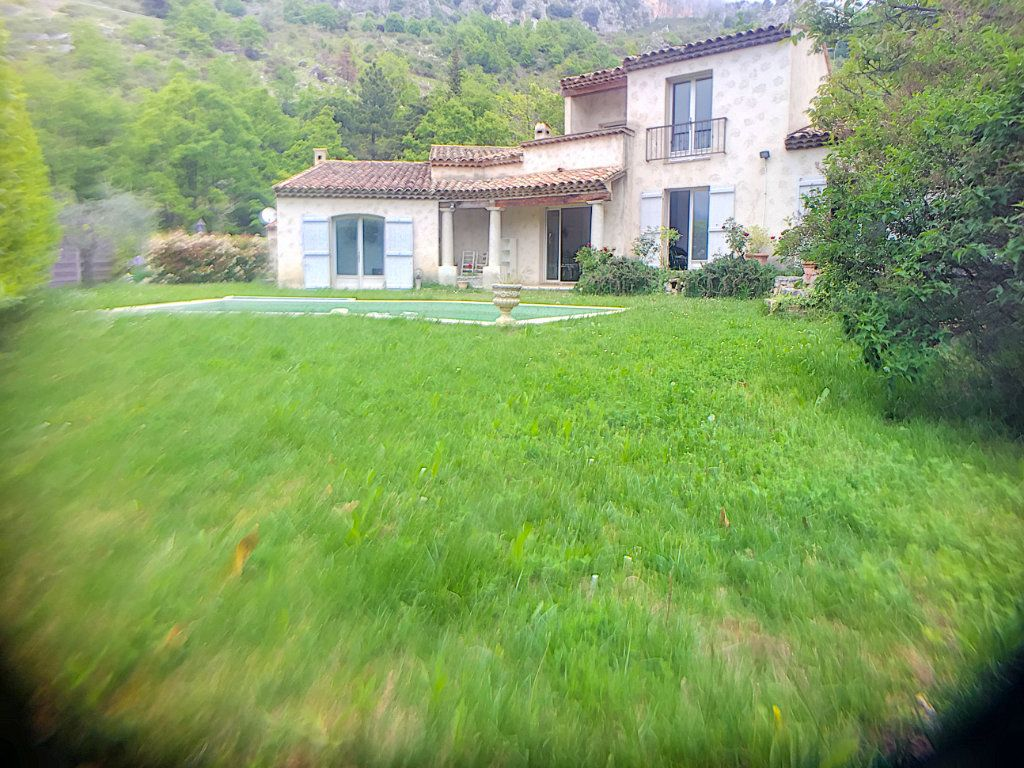 Maison à vendre 6 167m2 à Gréolières vignette-12