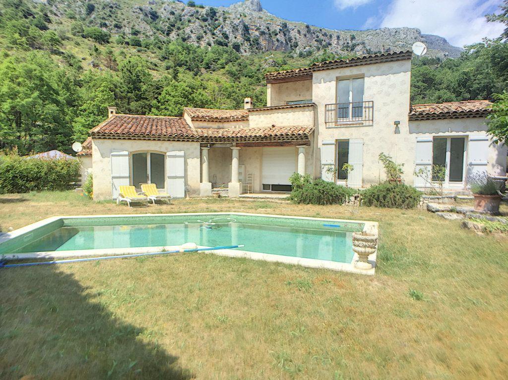 Maison à vendre 6 167m2 à Gréolières vignette-13