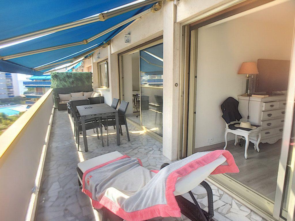 Appartement à vendre 4 94m2 à Cagnes-sur-Mer vignette-1