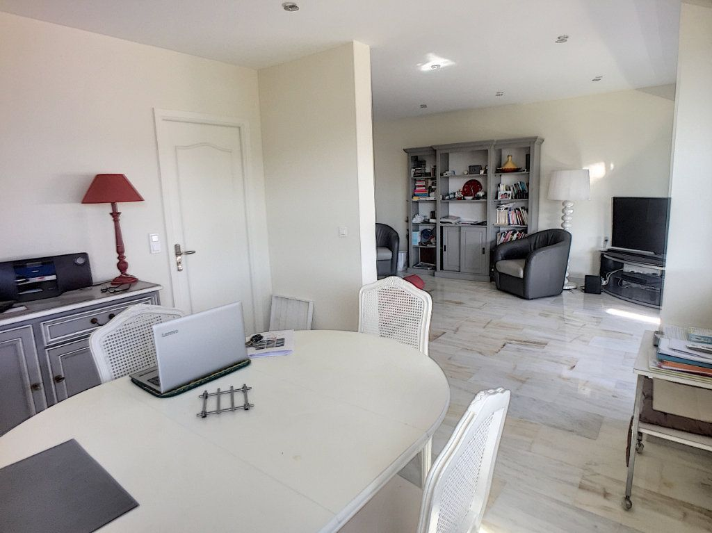 Appartement à vendre 4 94m2 à Cagnes-sur-Mer vignette-2