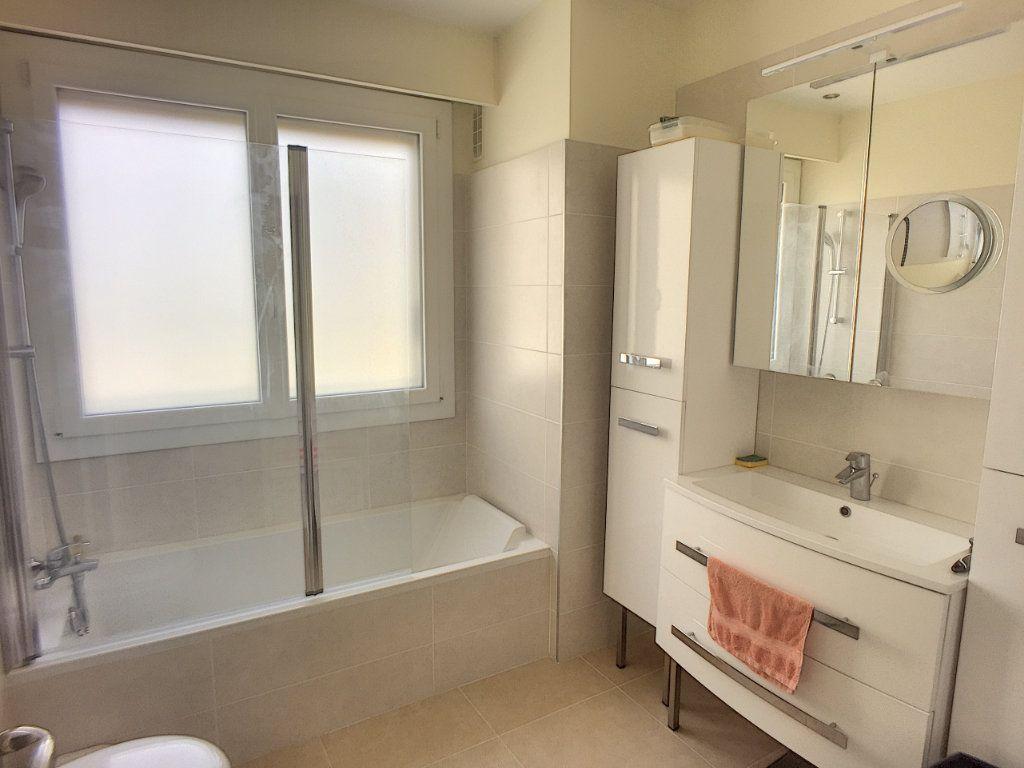 Appartement à vendre 4 94m2 à Cagnes-sur-Mer vignette-4