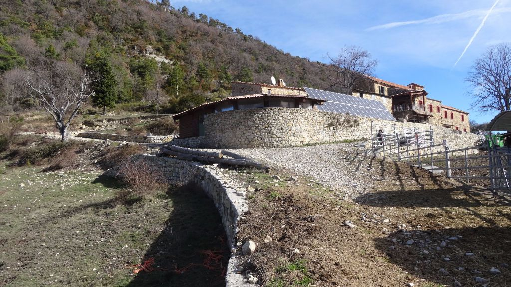Maison à vendre 15 700m2 à Roquestéron-Grasse vignette-4