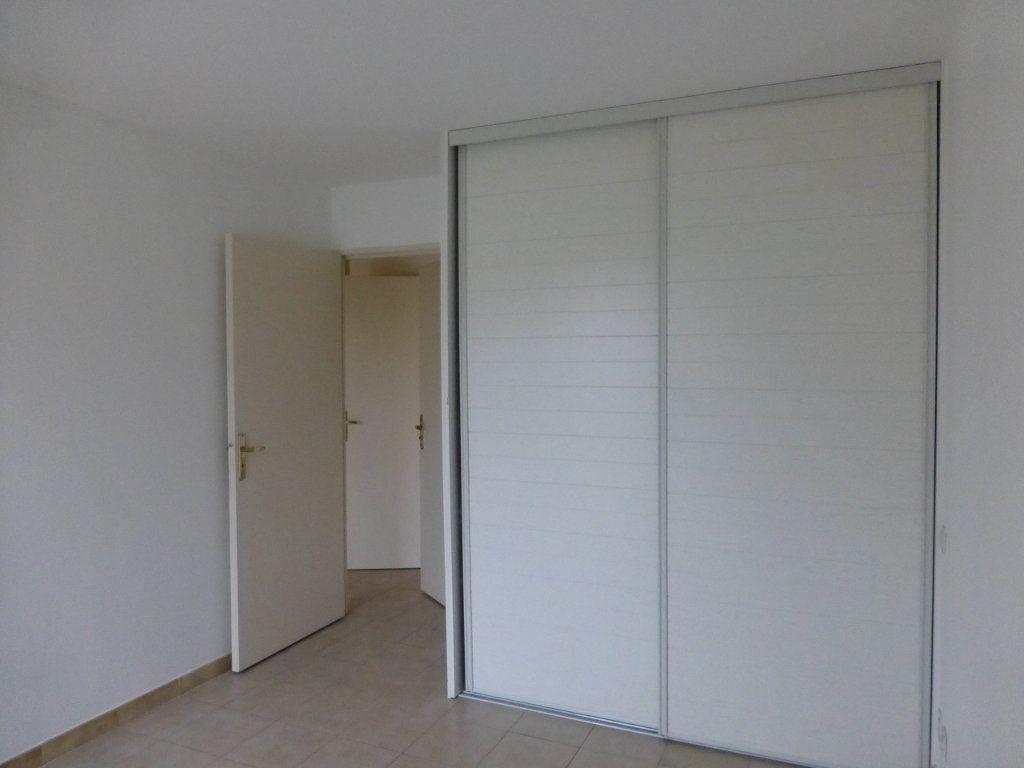 Appartement à vendre 3 64.37m2 à Saint-Laurent-du-Var vignette-7