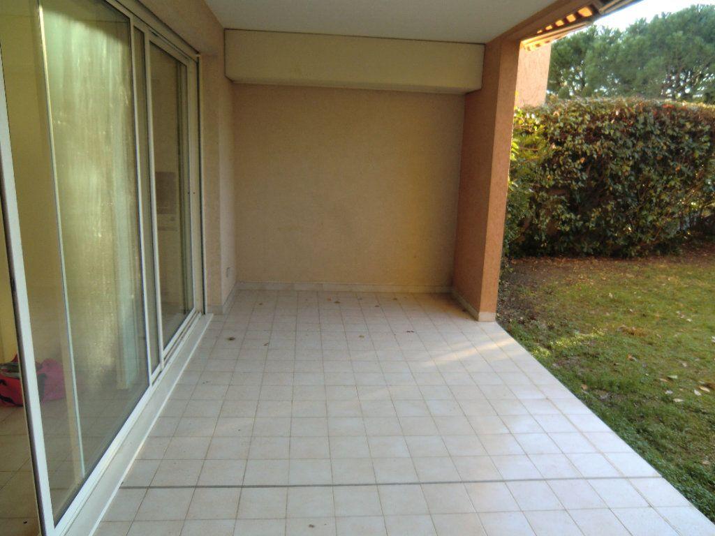 Appartement à vendre 3 64.37m2 à Saint-Laurent-du-Var vignette-10