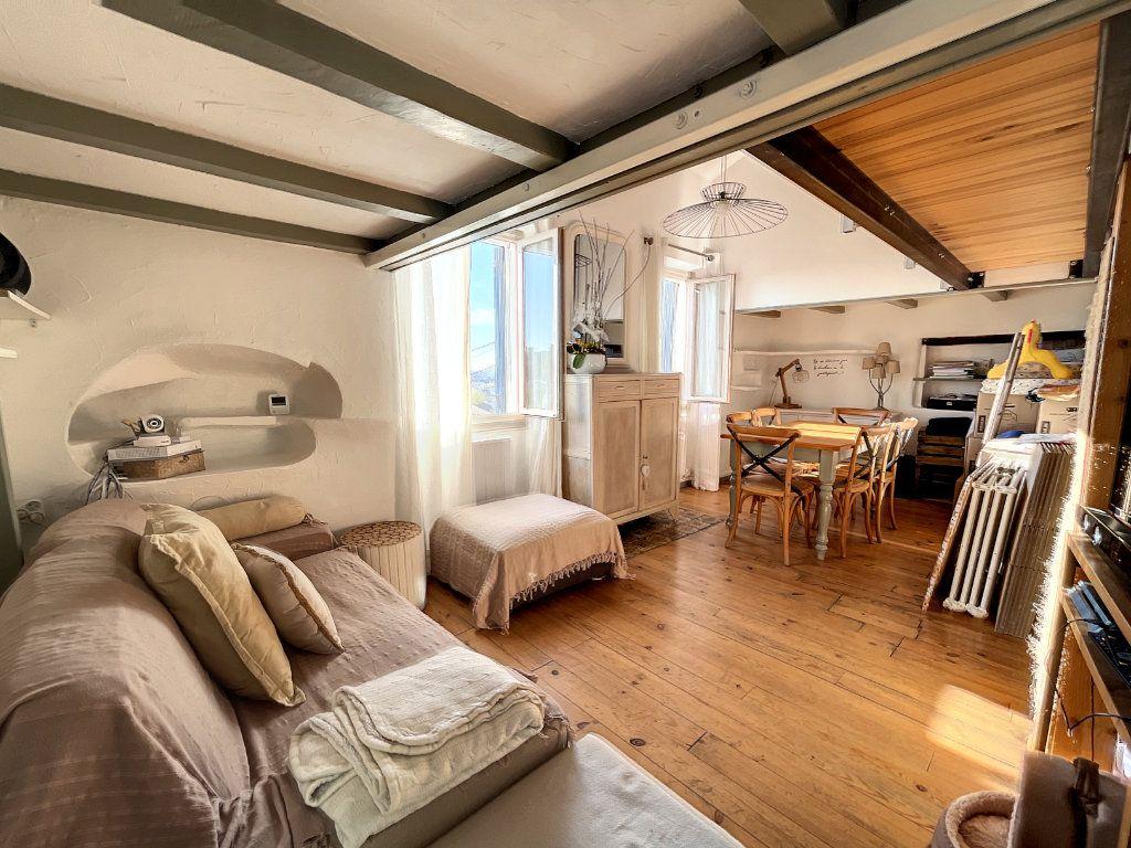 Maison à louer 3 42m2 à Cagnes-sur-Mer vignette-2