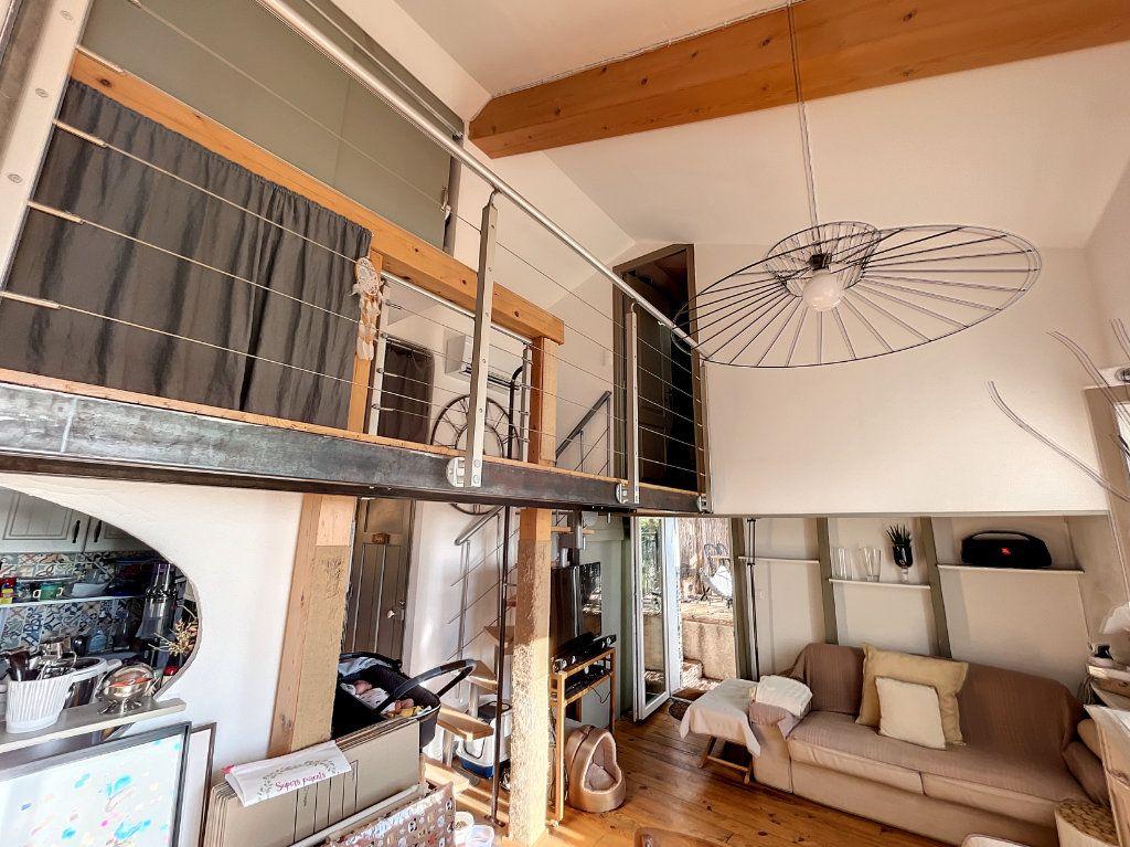 Maison à louer 3 42m2 à Cagnes-sur-Mer vignette-4