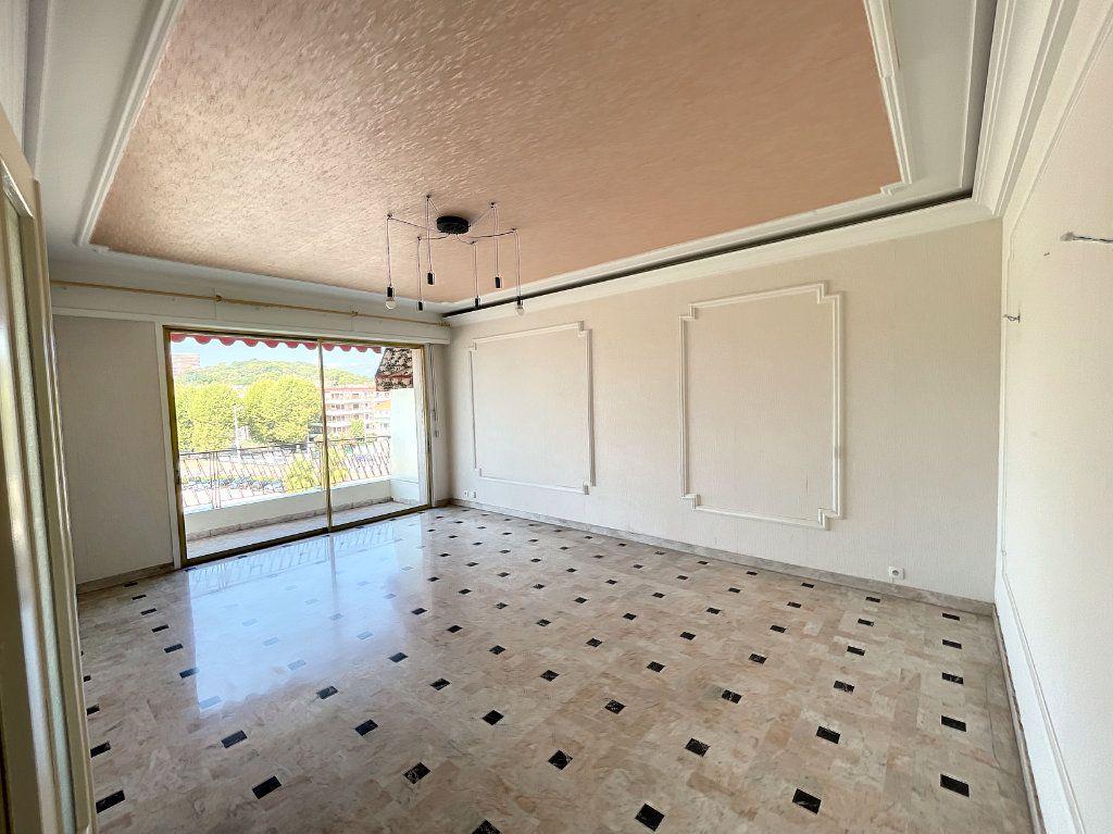 Appartement à louer 2 54m2 à Cagnes-sur-Mer vignette-3