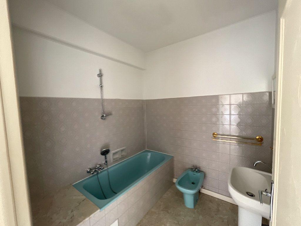 Appartement à louer 2 54m2 à Cagnes-sur-Mer vignette-6