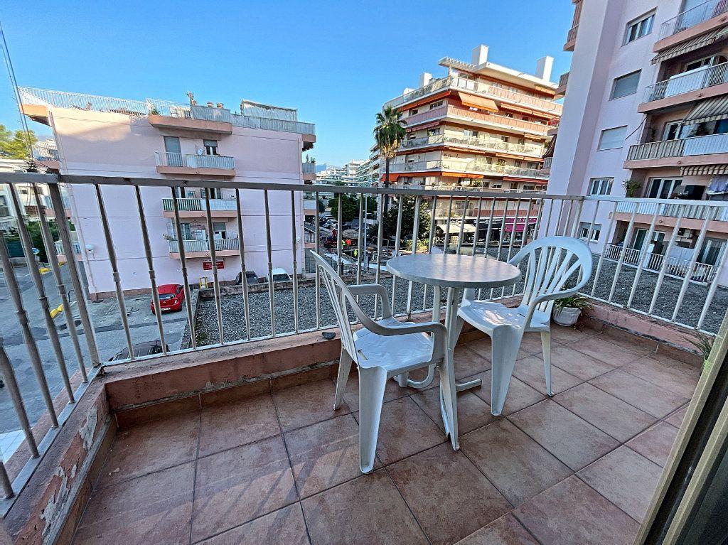 Appartement à louer 1 35.96m2 à Cagnes-sur-Mer vignette-2