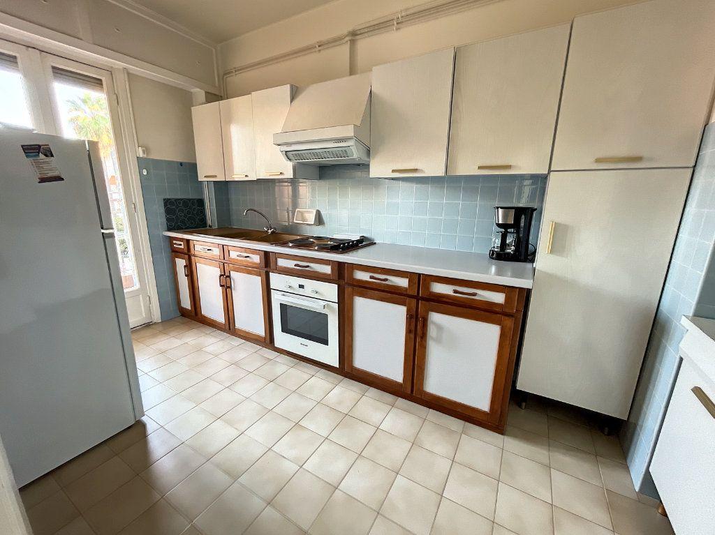 Appartement à louer 1 35.96m2 à Cagnes-sur-Mer vignette-4