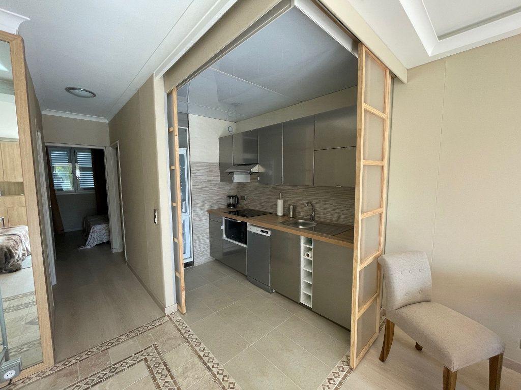 Appartement à louer 2 48m2 à Villeneuve-Loubet vignette-2