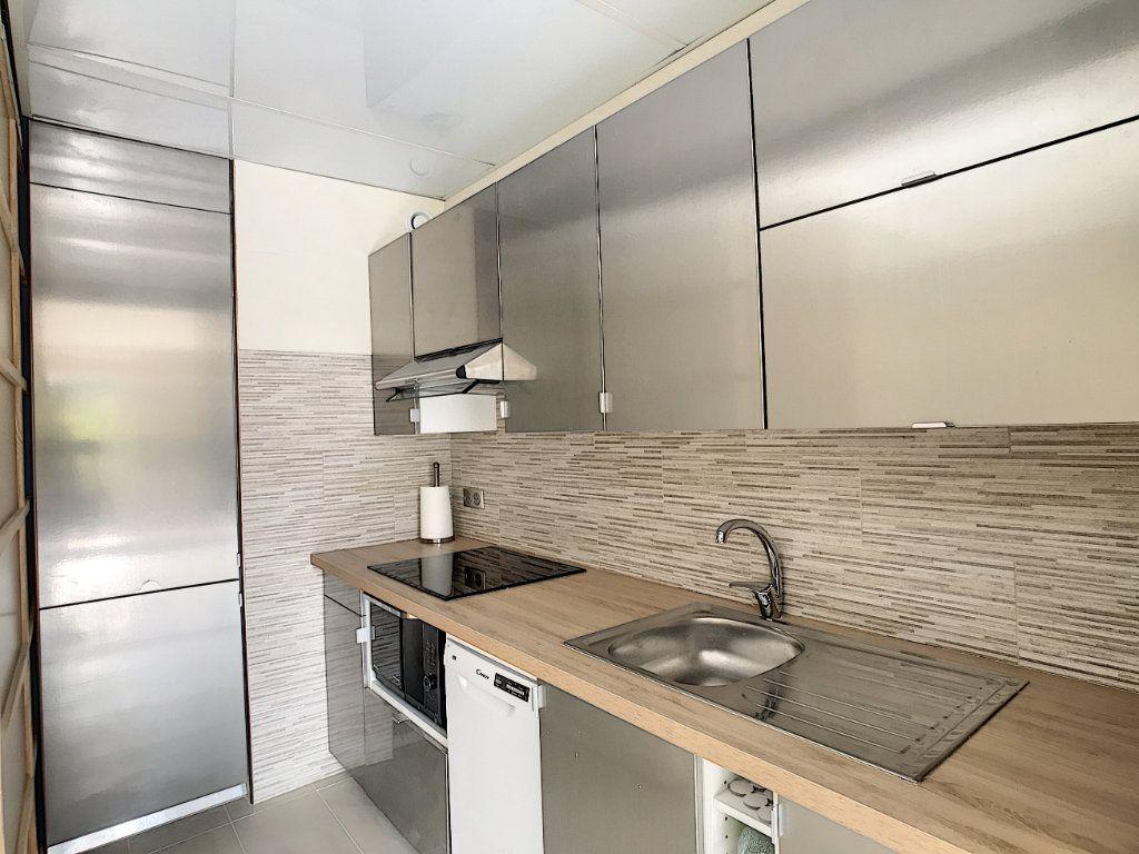 Appartement à louer 2 48m2 à Villeneuve-Loubet vignette-4
