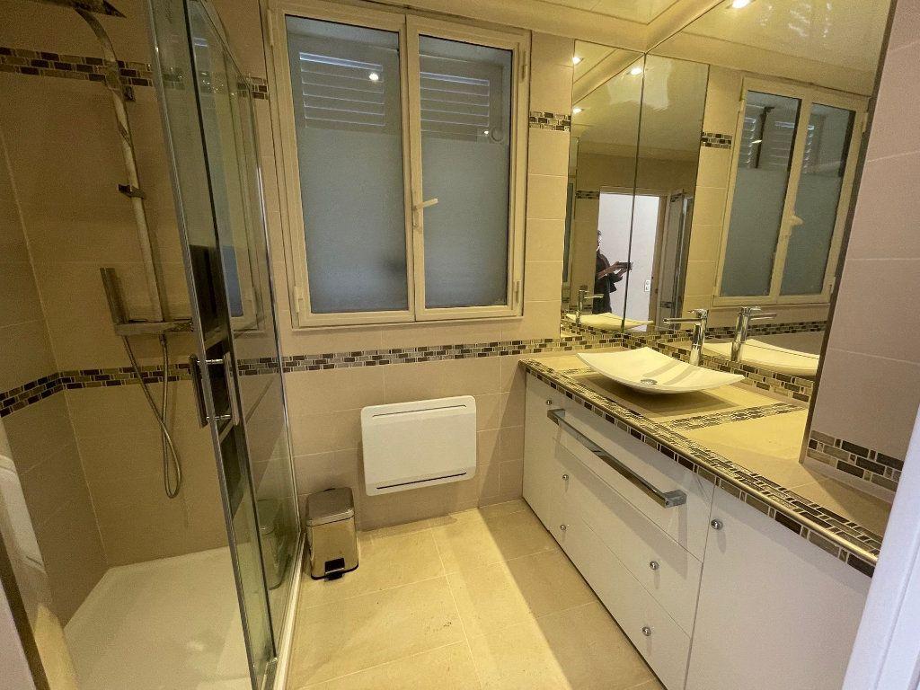 Appartement à louer 2 48m2 à Villeneuve-Loubet vignette-5