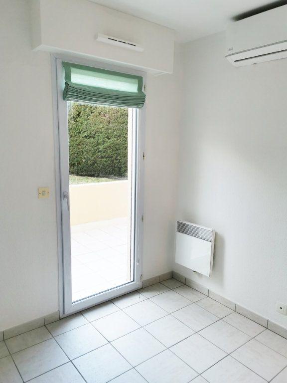 Appartement à louer 2 46m2 à Fréjus vignette-7